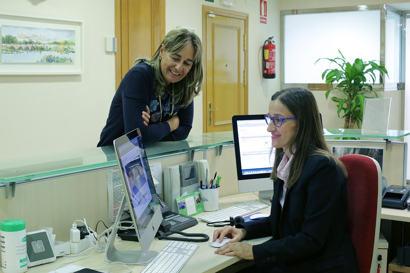 La clínica Encinas foto recepción