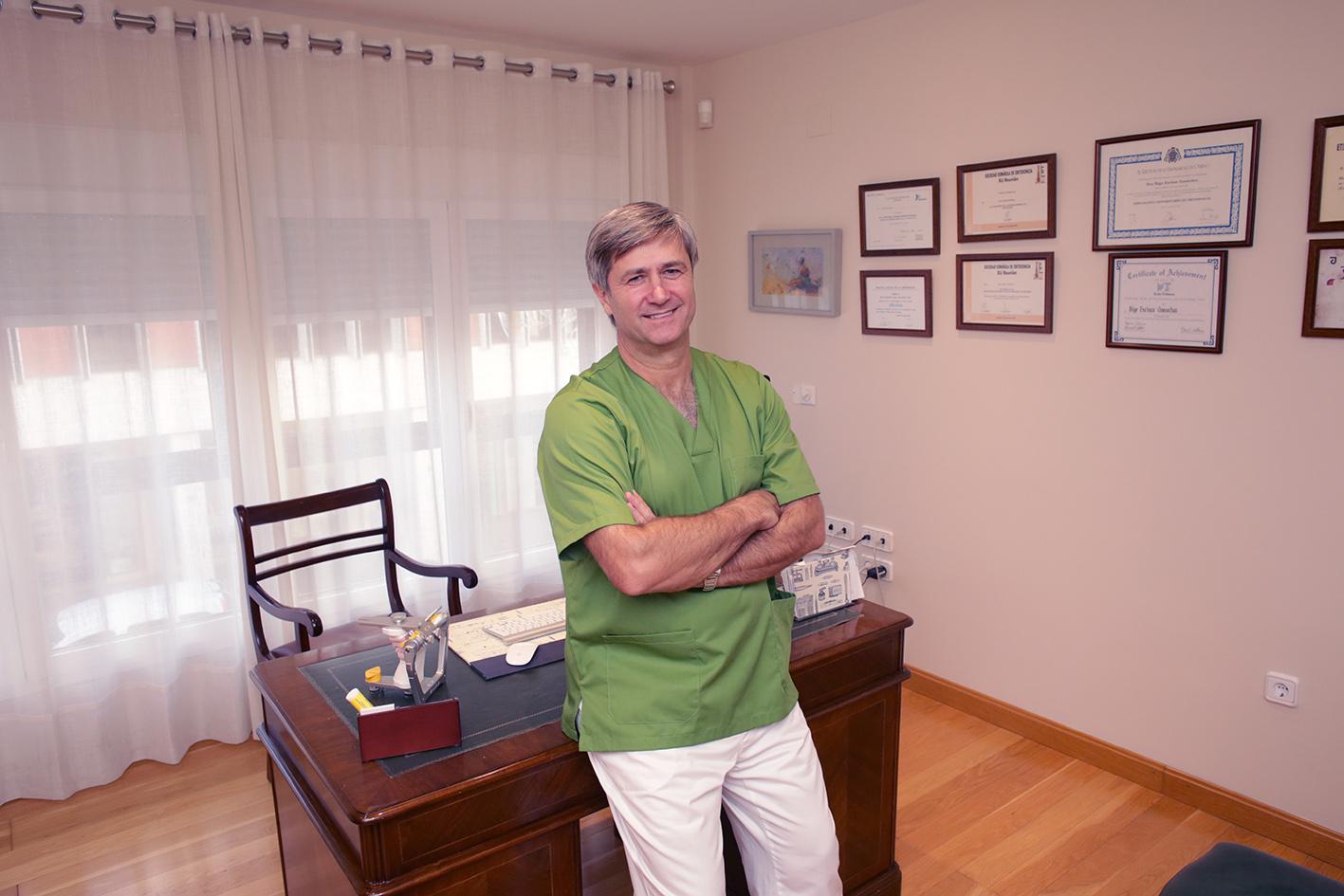 Imagen Íñigo en despacho