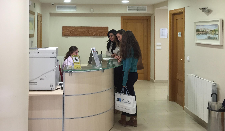 pacientes en recepción